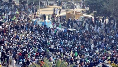 پنجاب حکومت سے کامیاب مذاکرات کے بعد مال روڈ پر موجود تحریک لبیک یارسول اللہ نے دھرنا ختم کرنے کا اعلان کردیا