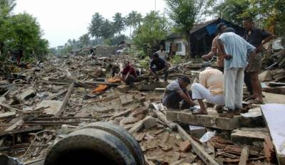 بھارت اور سری لنکا میں سمندری طوفان اوکی نے تباہی مچادی