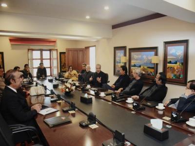 عمران خان کی زیر صدارت تحریک انصاف کی اعلی قیادت کا اہم ترین اجلاس