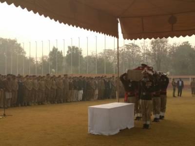 لاہور کے ایوب سٹیڈیم میں شہید سیکنڈ لیفٹیننٹ عبدالمعید کی نماز جنازہ ادا کردی گئی،