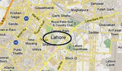لاہور:کینال روڈپرٹرک انڈرپاس کےبیریئرسےٹکراگیا،پولیس