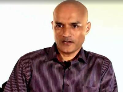 پاکستان نے کلبھوشن کی والدہ اور اہلیہ کیساتھ آنے والے سفارتکار بارے معلومات مانگیں تو بھارت راہ فرار اختیار کرنے لگا