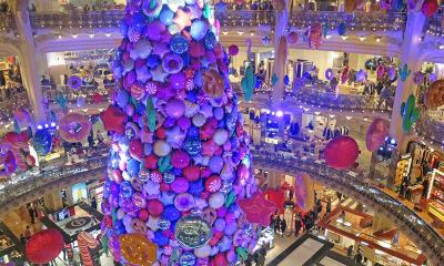 امریکا اور یورپ سمیت دنیا بھر میں کرسمس کی تیاریاں عروج پر پہنچ گئیں،