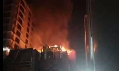 بھارت کےشہر ممبئی میں کثیرالمنزلہ عمارت میں خوف ناک آتشزدگی سے12خواتین سمیت 15 ہلاک اور متعدد زخمی ہوگئے