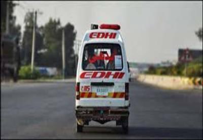 چیچہ وطنی: ٹرالر کی مسافر ویگن کوٹکر دو خواتین سمیت 8 افراد جاں بحق،11 زخمی