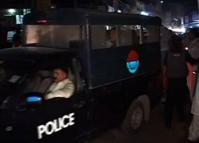 ملتان میں پولیس اور ڈاکوؤں کے درمیان فائرنگ کے تبادلے میں دو ڈاکو مارے گئے