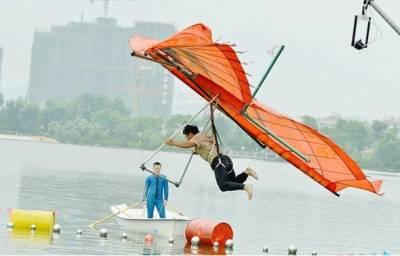 چین میں بغیر انجن کے جہاز اُڑانے کے منفرد مقابلے کا انعقاد کیا گیا