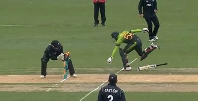پاکستانی بلے بازوں نے روایت نہ بدلی، ایک بار پھر پوری کی پوری ٹیم فلاپ ہو گئی