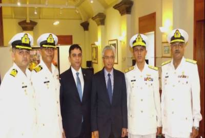 کمانڈر پاکستان فلیٹ اور پاک بحریہ کے جہازوں کی ماریشس کی آزادی کی پچاس سالہ تقریبات میں شرکت،