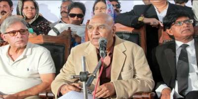 کراچی کے علاقے ریڑھی گوٹھ میں کار سے ملنے والی لاش کی شناخت حسن ظفر عارف کے نام سے ہوگئی ہے۔