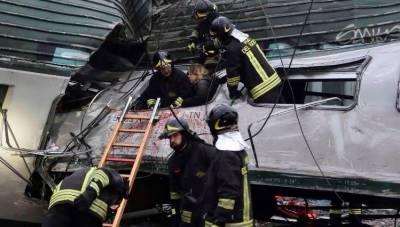 پٹڑی سے ٹرین اترنے کی وجہ سے 4افراد ہلاک اور100زخمی ہوگئے