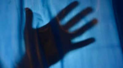 کراچی میں بھی نوسالہ بچی کے ساتھ ایک اور زیادتی کا کیس سامنے آگیا،
