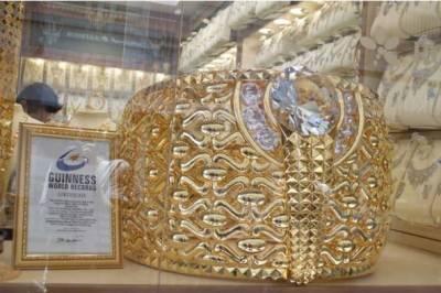 شارجہ میں دنیا کی سب سے بڑی سونے کی انگوٹھی ایک بار پھر نمائش کے لئے پیش کی گئی