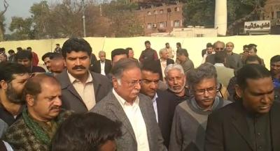 Perviaz Rahseed Reached At Asma's Jhanghir Funeral Prayer
