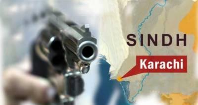 کراچی کی مصروف ترین شارع فیصل پر نشے میں دھت نوجوان سرعام فائرنگ کرتا رہا