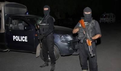 کراچی پولیس کی مومن آباد میں بڑی کارروائی، کالعدم تنظیم کاخطرناک دہشت گرد گرفتار