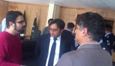 Waqt News Apna Apna Gareban team attacked and harassed on orders of Ombudsman Kashmala Tariq and his Team.