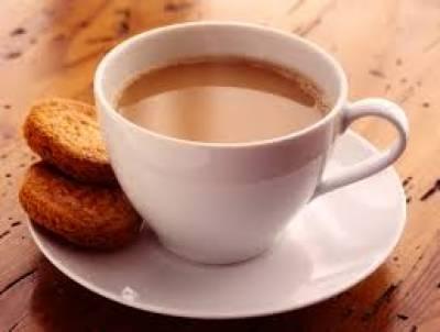 گرما گرم چائے پینے سے کینسر کا خدشہ بڑھ جاتا ہے: ماہرین