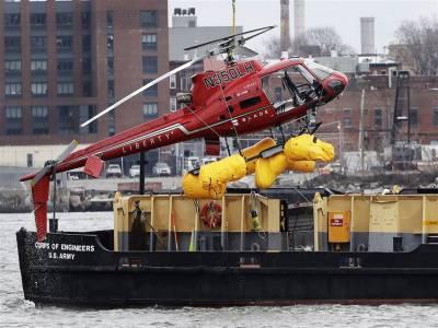 نیویارک میں ہیلی کاپٹر گِر کر تباہ ،تمام 5 مسافر ہلاک ، پائلٹ بچ نکلنے میں کامیاب رہا