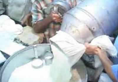کراچی میں دودھ فروشوں نے سرکاری قیمت پر دودھ کی فروخت سے انکار کر دیا