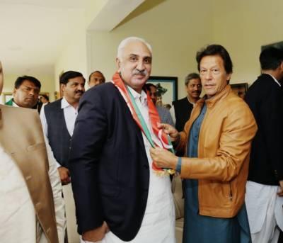 پاکستان تحریک انصاف نے مسلم لیگ ن کی مزید دو وکٹیں اڑا دیں
