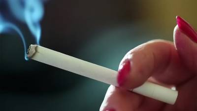 پاکستان میں سالانہ 143.208 ارب روپے سگریٹ کے دھوئیں میں اڑا دیئے جاتے ہیں۔