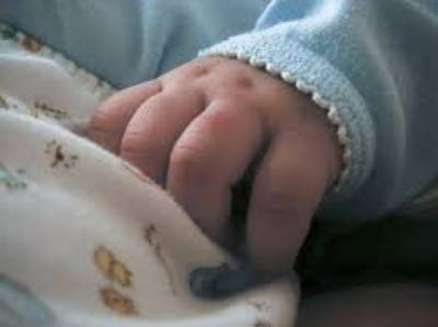 کھارادر میں کچرا کنڈی سے ایک اور نومولود بچے کی لاش ملی ہے۔