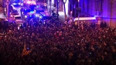 سپین کے شہر کاتولونیا میں ایک بار پھر ہنگامے پھوٹ پڑے