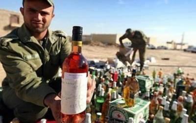 سعودی پولیس نے غیر قانونی تارکین کے ٹھکانوں سے بڑی مقدار میں شراب ضبط کرلی۔