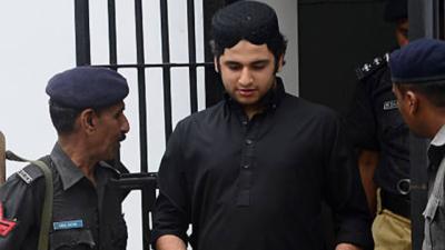 شاہ رخ جتوئی پھانسی کا مجرم ہے محکمہ داخلہ نے نقل وحرکت پر پابندی عائد کی ہے۔ جیل حکام