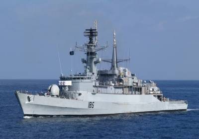 پاک بحریہ کے جہاز مشترکہ جنگی مشقوں میں حصہ لینے کیلئے سعودی عرب پہنچ گئے