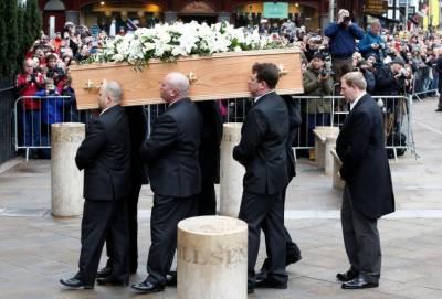 ہاکنگ کی راکھ معروف سائنسدان نیوٹن اورڈارون کی قبروں کے نزدیک دفنائی گئی