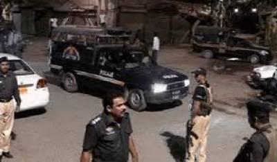 کراچی کے علاقے لیاقت آباد کے رہائشی کے بند گھر کو دیکھ کر چوروں نے صفایا کر دیا،