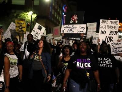 امریکہ کی ریاست کیلیفورنیا میں پولیس کے ہاتھوں سیاہ فام کی ہلاکت کے خلاف احتجاج جاری ہے