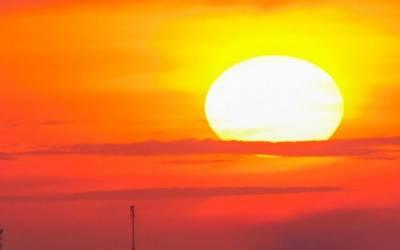 آئندہ چوبیس گھنٹوں کے دوران بیشتر علاقوں میں موسم خشک جبکہ جنوبی اور وسطی علاقوں میں گرم رہے گا۔
