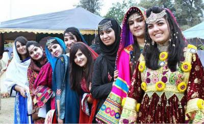 Islamabad Traditional Dresses to save culture.