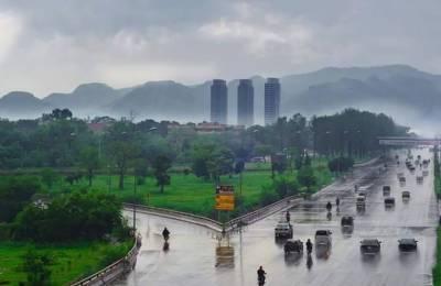 ملک بھر میں کہیں ہلکی بارش تو کہیں آندھی اورتیز ہواؤں کا سلسلہ جاری ہے