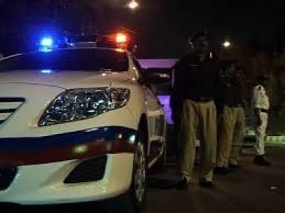 کراچی کے علاقے ملیر میں الفلاح پولیس نے کارروائی کرتے ہوئے دو ڈاکوؤں کو گرفتار کرلیا