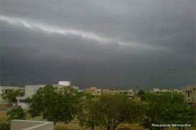پنجاب کے مختلف شہروں میں بارشوں سے موسم خوشگوار ہوگیا
