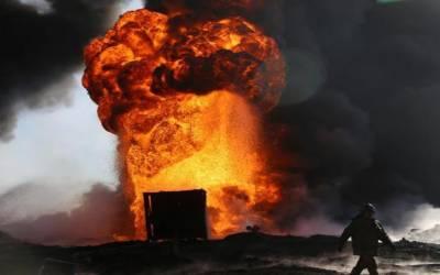 انڈونیشیا: تیل کے کنوئیں میں آگ لگنے سے10 افراد ہلاک، درجنوں زخمی
