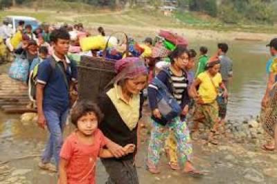 شمالی علاقے میں برمی فوج کے حملوں میں ہزاروں افراد اپنے گھروں کو چھوڑ کر دوسرے علاقوں میں منتقل ہوگئے
