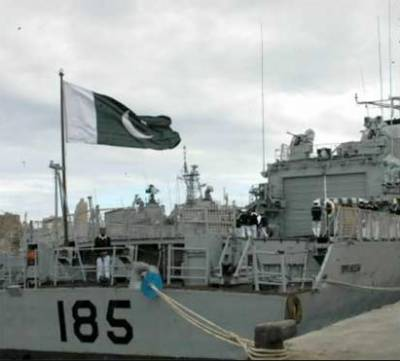 پاک بحریہ کے جہاز عالمگیرنے8دنوں سے کھلے سمندر میں پھنسے بھارتی ماہی گیروں کوامداد فراہم کردی،