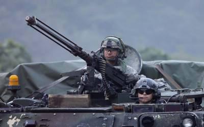 امریکی صدر کا جنوبی کوریا میں فوج کم کرنے پر غور