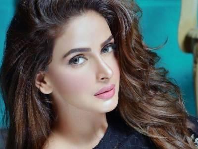 پاکستان کی چلبلی اداکارہ صبا قمر نے سنگ میل عبور کر لیا،