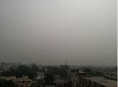 ملک کے بالائی علاقوں میں موسم مستانہ، مطلع ابر آلود، کہیں بادل تو کہیں تیز ہواؤں کا سلسلہ جاری ہے