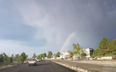 ملک کے مختلف شہروں میں بارش سے موسم خوشگوار ہوگیا۔