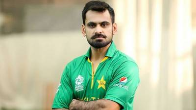 PCB to issue show-cause notice to Hafeez for criticising ICC