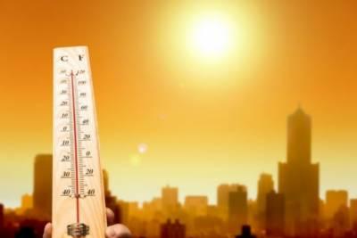کراچی میں شدید گرمی نے شہریوں کو بے حال کردیا۔