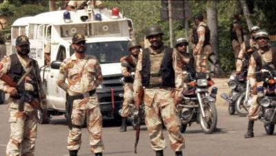 سندھ رینجرز نے مختلف جرائم میں ملوث ایم کیو ایم لندن اور حقیقی سمیت تئیس ملزمان گرفتار کرلیے۔ اسلحہ، ایمونیشن اور منشیات برآمد