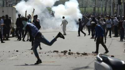 Kashmir unrest as protester run over by police dies ۔